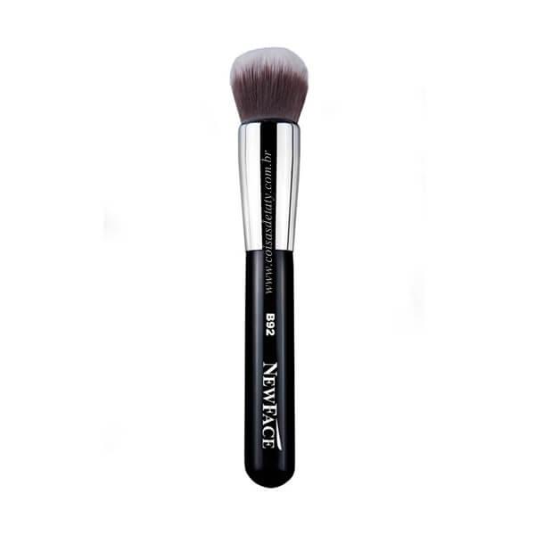 Pincel Round Kabuki B92 - NewFace